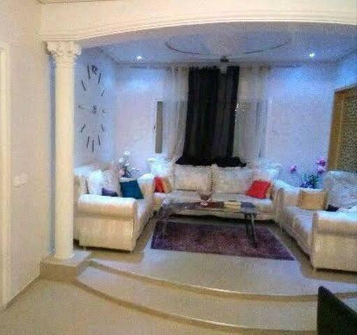 Location une maison meublé de 231 m2