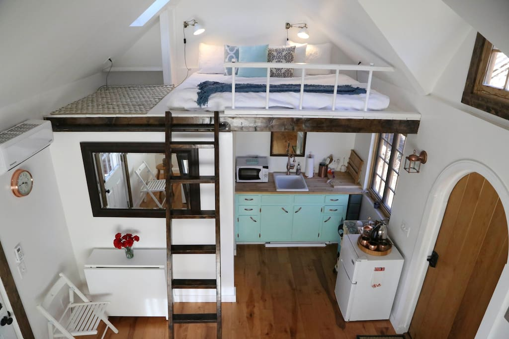 Light Filled Tiny House Luxurious In Town Houses