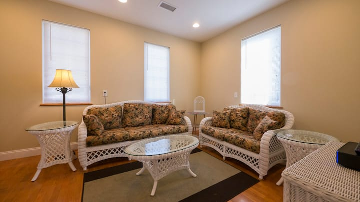 King of Prussia, Valley Forge, 2nd Floor, 3 BR Apt