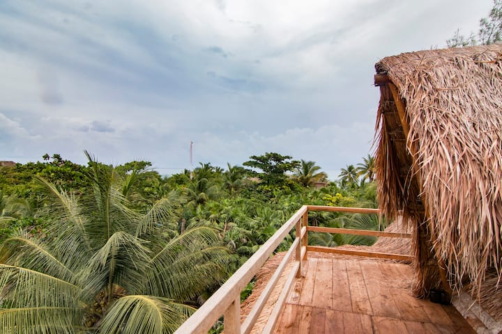 Jungle View+Stunning & Private Eco tree-top Room