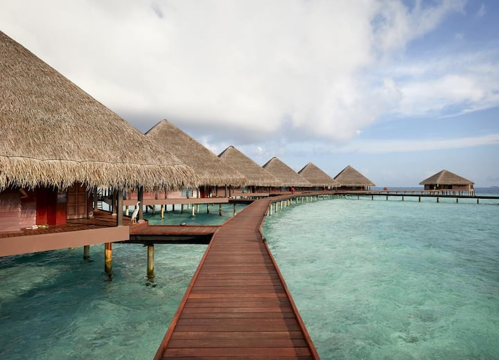 ADAARAN CLUB RANNALHI WATER BUNGALOW