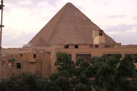City pyramids inn