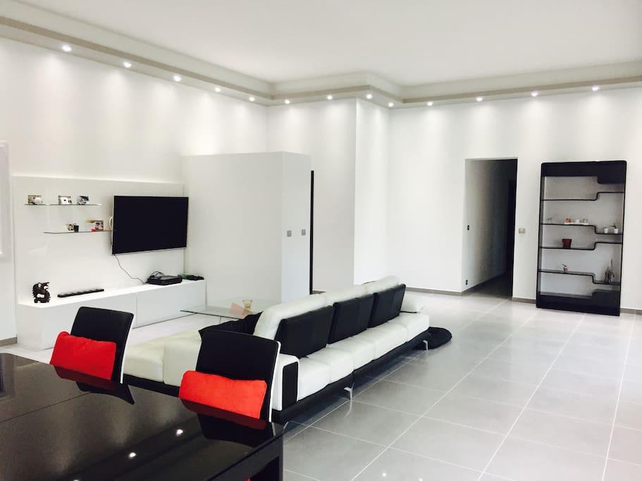 Maison au bord de l 39 ard che houses for rent in saint for Decoration maison 150m2