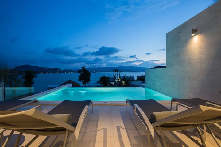 BRAND NEW Luxury 4BR Sunset Villa w/BEACH access