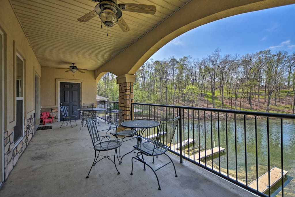 Located on the shores of the Ouachita River, this home for 10 can't be beaten.