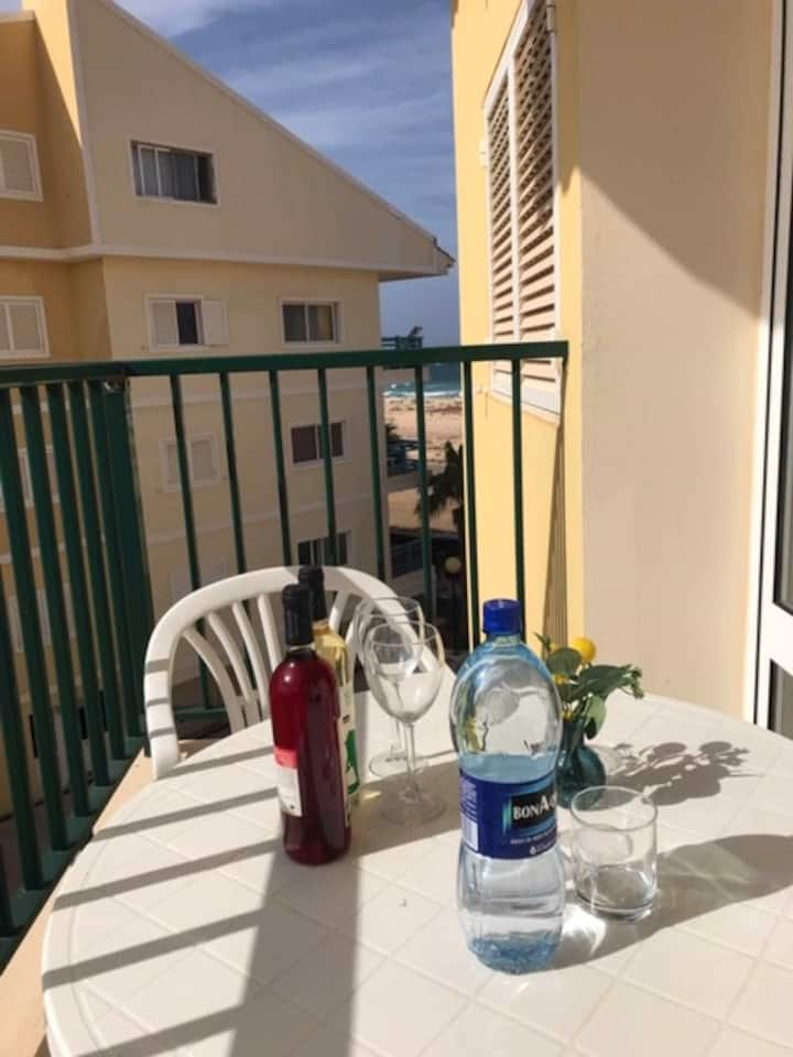 1 Bedroom Apartment close to the sea
