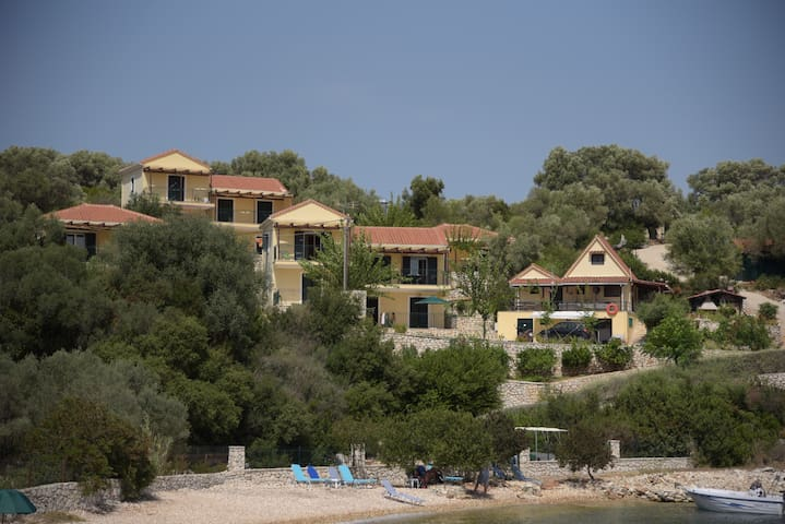 Welcome at Elia Village on Meganisi (Ariadne)