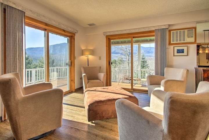 Condo w/Hot Tub, Mins to Story Land & Cranmore!