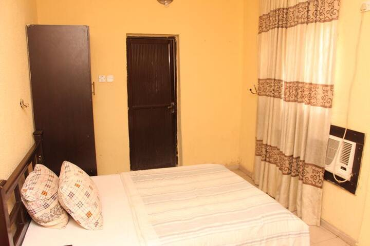 Sapphire Guest House-Classic Room
