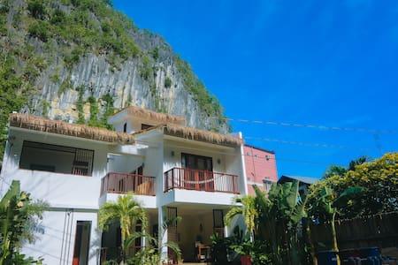 Talisay, El Nido: cozy room w/ shared pool - 3