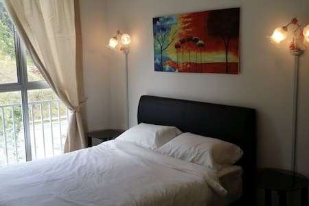 Golden Hills Resort Home - Apartament