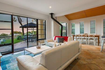 Stunning Oceanview Villa 1 - Dunsborough