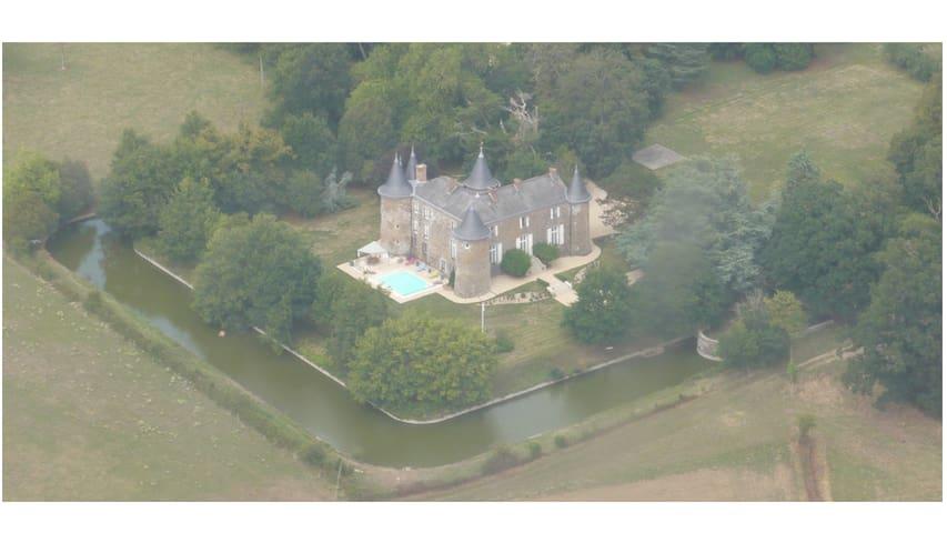 Château de la Frogerie, proche du Puy du Fou