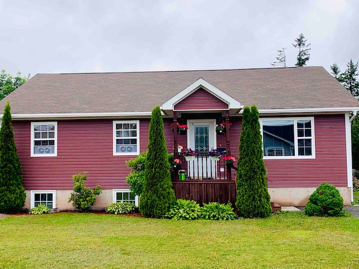 3BR Spacious Home, Ideally Located in Town
