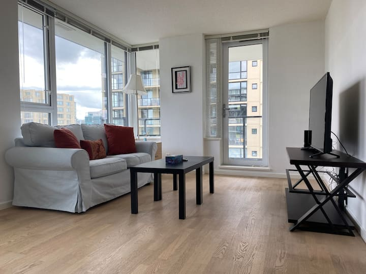 Near skytrain&Richmond center 1bed