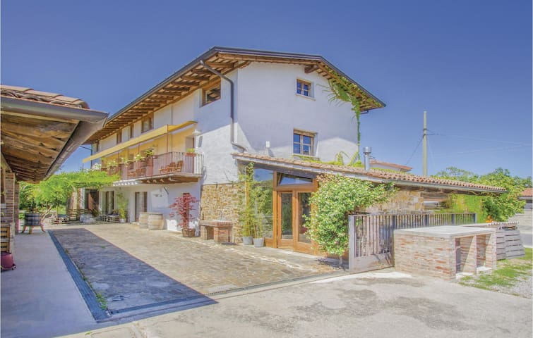 Holiday apartment with 1 bedroom on 45m² in Capriva del Friuli GO