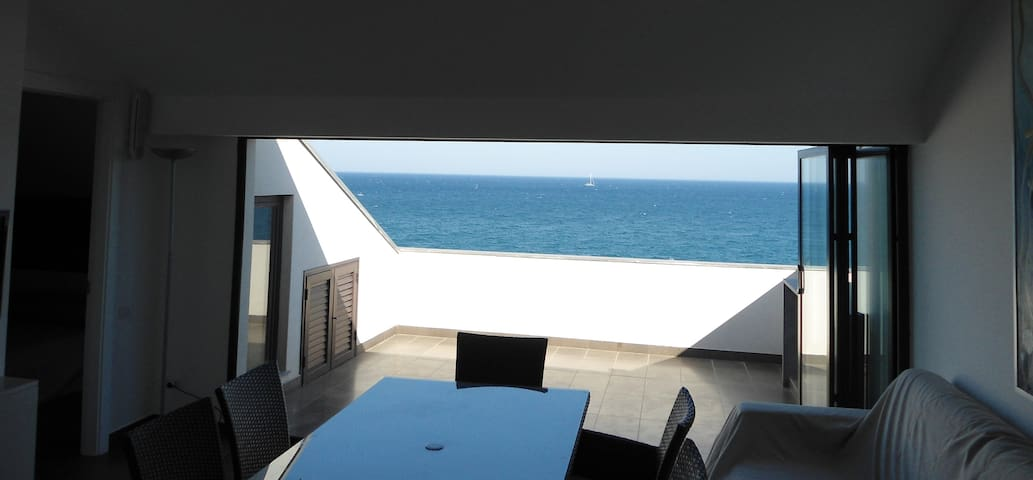 The Roof On The Sea - Mascali - Apartemen