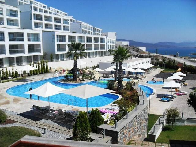 Horizon Sky Beach Resort Apartment