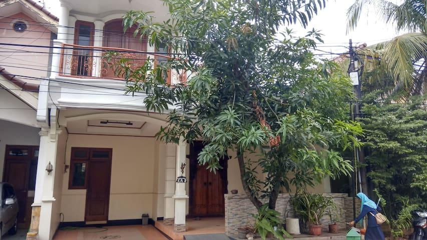 Guest House Sukmajaya Depok