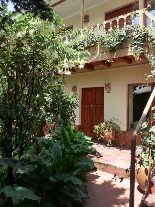La entrada de Kukuli Lodge... Bienvenidos