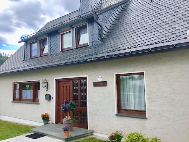 Haus am Rothaarsteig -Dachsbau
