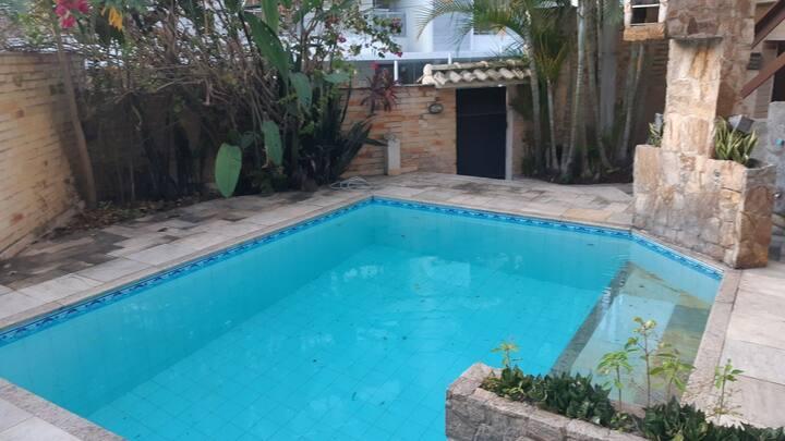 Jardim Icaraí/ casa 3 quartos/ area de lazer