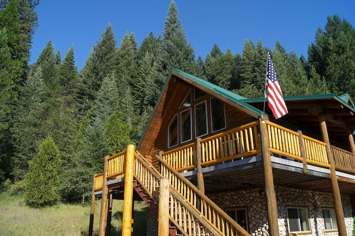 Log Home on 40 Private Acres By Mt Shasta Ski Park