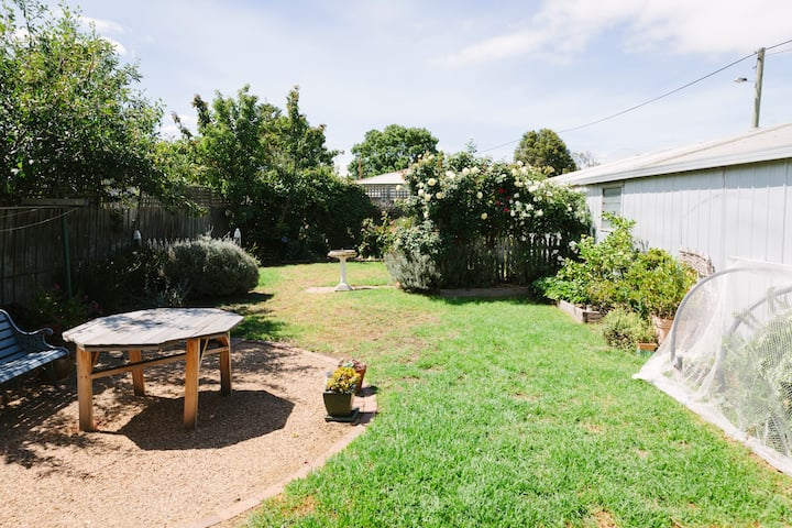 Lovely house close to the beach and Geelong CBD