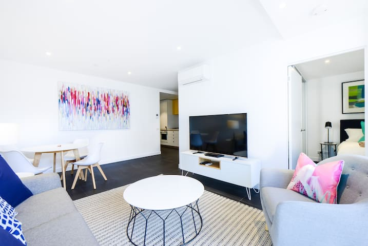 ANTOCCINO: Modern, bright Caulfield 1BR! - Caulfield North - Daire