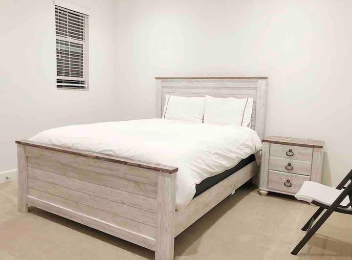 舒适干净的卧室出租