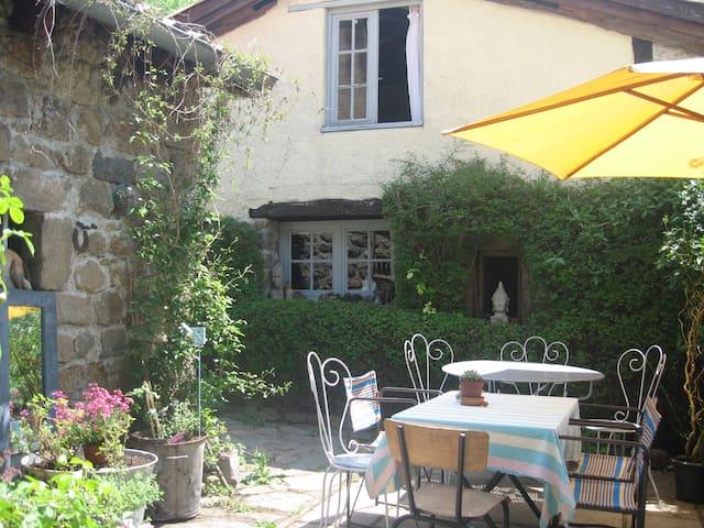 Charmante petite maison dans un hameau - Albon-d'Ardèche