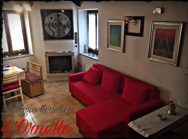 Alloggio turistico l'Ornello,relax tra le montagne