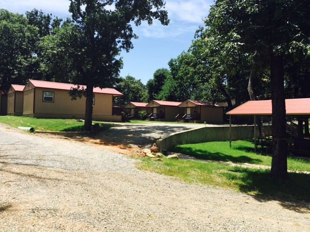 Angler's Hideaway Cabins on Lake Texoma Cabin 6 - Mead - Srub