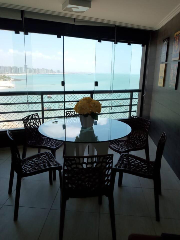 Flat no Iate Plaza, localizado na Av. Beira Mar