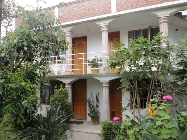 hermoso hotel Mirador ¡¡vista al bosque en Morelos - เม็กซิโกซิตี้ - ที่พักธรรมชาติ