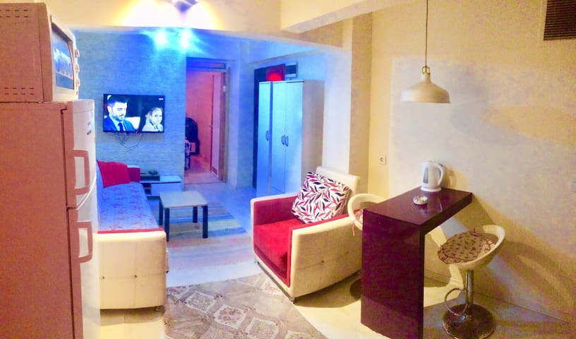 New Roma House Clean,safe,budget,close to taksim..