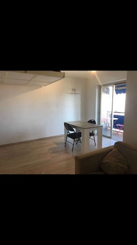 Charming flat at seaside Cagnes sur Mer