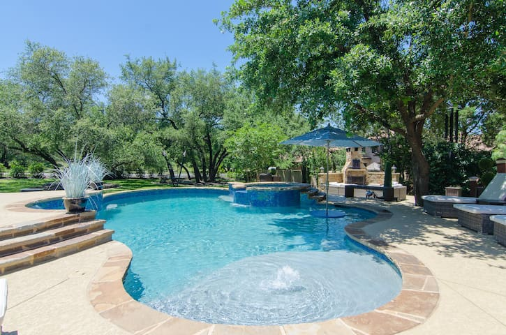 Your Own Private Hill Country Resort!!!!