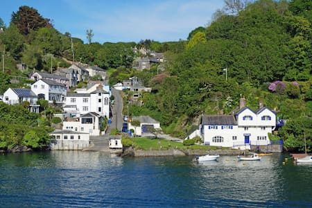 River Views on the waters edge - Fowey - Leilighet