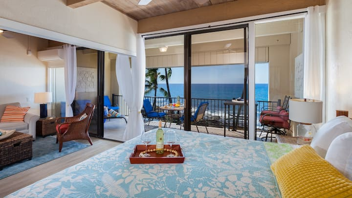 BIG Ocean view Top Floor Condo in Kona