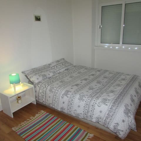Bright & Lovely Room near Belém Historical Lisbon