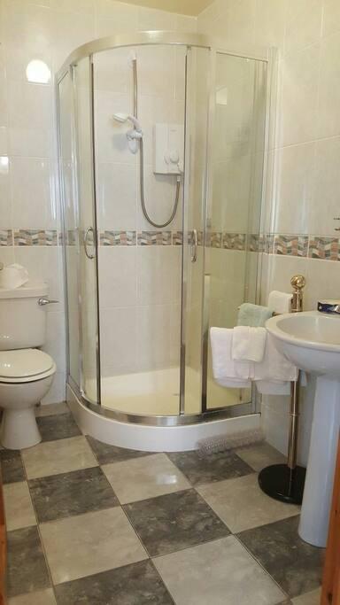Power shower/Bathroom