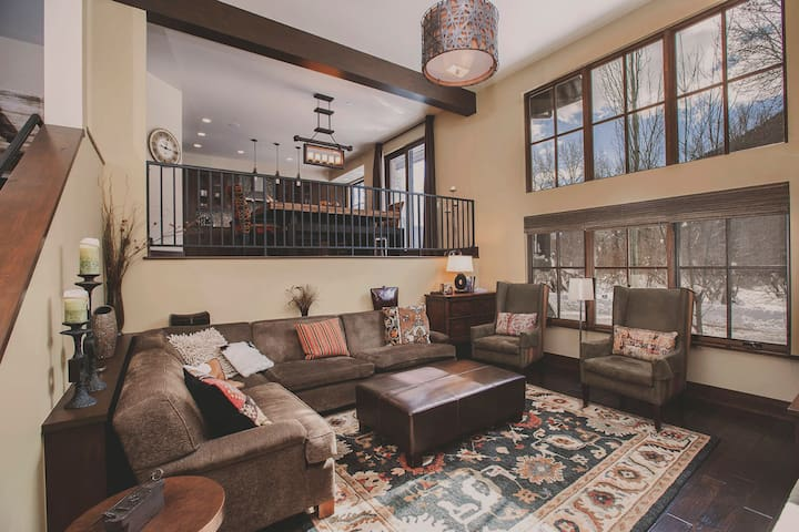 Exceptional West Ketchum Townhouse, Ideal Location