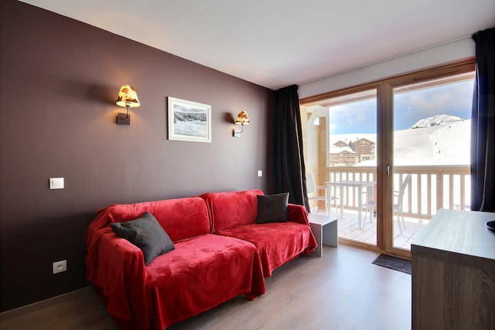 Beautiful brand new apartment with free access to swimming pool