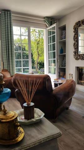 Petit salon/small living room