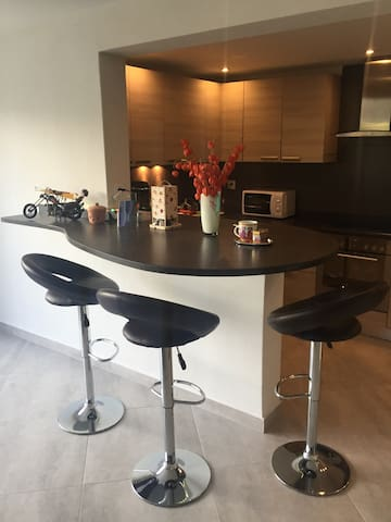 Modern Flat in Family House - Attalens - Appartement