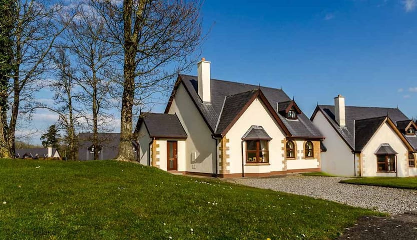 Forest Park - 4 Bed - Courtown - Rumah