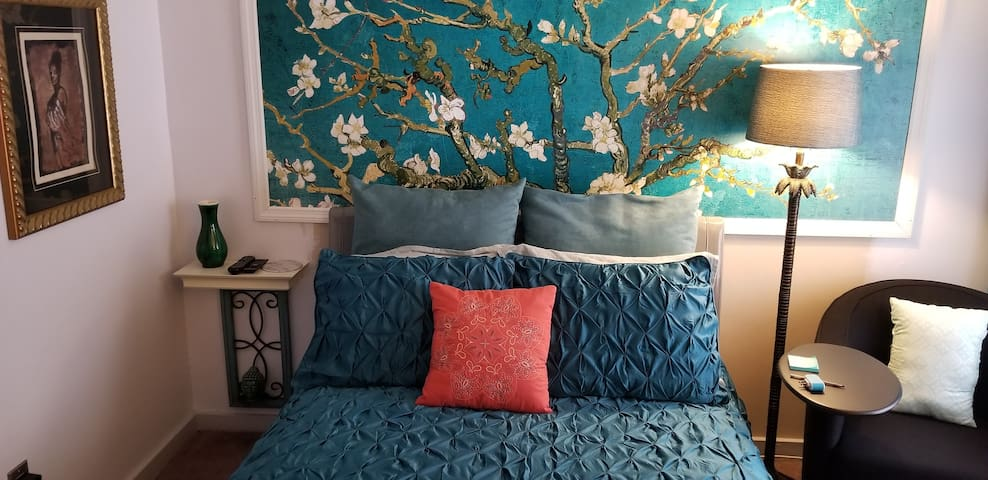 Aqua room double bed