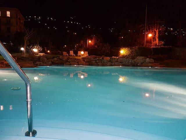 loft con spettacolare piscina - Genova - Apartment