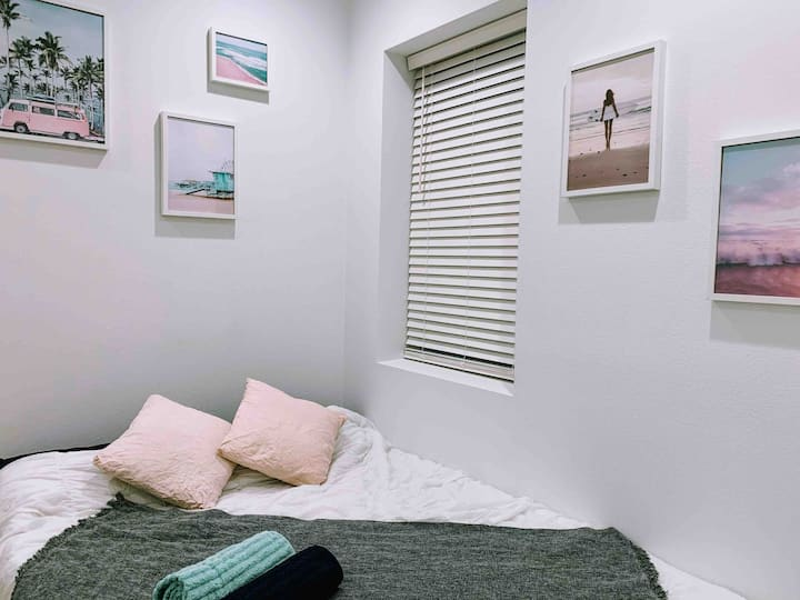 Cozy cocoon in NoHo Art District/Universal Studio